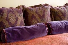 zbyt wiele poduszek Obraz Stock