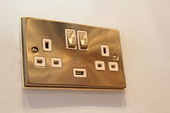 Zócalo de aluminio cepillado del interruptor de la pared Imágenes de archivo libres de regalías