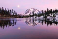 zdjęcia czasu nad jeziorem słońca Zdjęcie Royalty Free