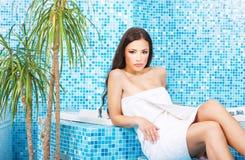 zdrój centrum relaksująca kobieta Obrazy Stock