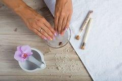 Zdrój podstawy dla manicure'u Zdjęcia Stock
