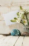 Zdrój ustawiający z ręcznikowymi świeczkami i kwitnie skorupy Obrazy Royalty Free
