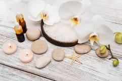 Zdrojów produkty z orchideami Obraz Royalty Free