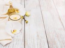 Zdrojów produkty z orchideami Zdjęcia Royalty Free