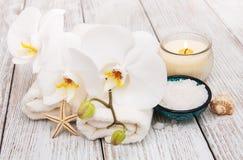Zdrojów produkty z orchideami Zdjęcie Stock