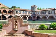 Zdroju kurort w Hiszpańskiej wiosce Montbrio Del Obozujący Obraz Royalty Free