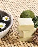 Zdroju masażu i mydła organicznie kamienie Obraz Royalty Free