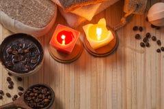 Zdroju pojęcie z kawą na drewnianym tle zdjęcie royalty free