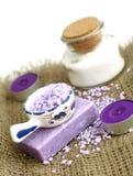 Zdroju skład mydło, kąpielowa sól i świeczki obrazy royalty free