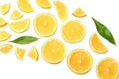 zdrowa żywność pokrojona cytryna odizolowywająca na białego tła odgórnym widoku obraz stock