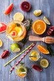 Zdrowa detox woda z owoc Zdjęcie Stock