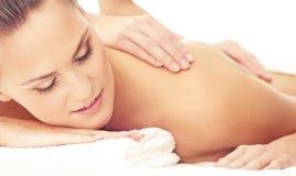 Zdrowa i Piękna kobieta w zdroju Odtwarzanie, energia, zdrowie, masaż i gojenie, obraz royalty free