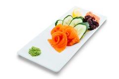 Zdrowa i smakowita owoce morza sałatka na białym tle w restauracyjnym menu Łasowania pojęcie Zdjęcia Royalty Free