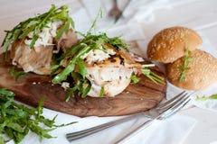 Zdrowa kanapka z kurczakiem i rukola Zdjęcie Royalty Free