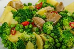 Zdrowa sping sałatka z Super zieleniami Obrazy Stock