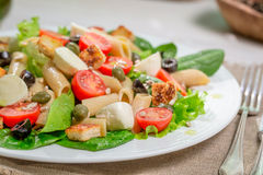 Zdrowa wiosny sałatka z warzywami Zdjęcia Royalty Free