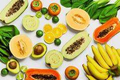 zdrowego żywienia Organicznie warzywa, owoc kuchni karmowych składników włoska pizza tradycyjna Obraz Royalty Free