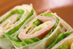Zdrowego świetlicowej kanapki pita chlebowa rolka Zdjęcie Royalty Free