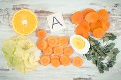 Zdrowi produkty jako źródło witamina A, kopaliny i żywienioniowy włókno, odżywczy łasowania pojęcie fotografia royalty free