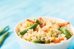 Zdrowie stylu życia pojęcie - meksykański ryż z warzywami Obraz Royalty Free