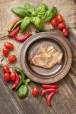 Zdrowotny półmisek mięsa, piec na grillu stek obraz stock