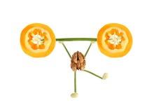 Zdrowy łasowanie. Śmieszni karły orzech włoski Obraz Stock
