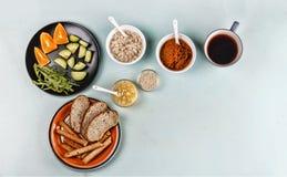 Zdrowy śniadanie z avocado pomarańczami i oatmeal Fotografia Stock