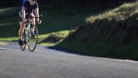 Zdrowy żeński kolarstwo drogi bicykl zdjęcie wideo