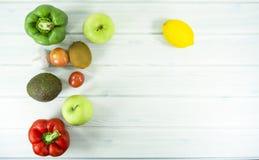zdrowy domowej roboty weganinu jedzenie, jarska dieta, witaminy przekąska, jedzenie i zdrowia pojęcie, zdjęcie stock