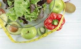 zdrowy domowej roboty weganinu jedzenie, jarska dieta, witaminy przekąska, jedzenie i zdrowia pojęcie, zdjęcia royalty free