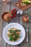 Zdrowy gość restauracji z brokułami i fasolkami szparagowymi Obraz Royalty Free