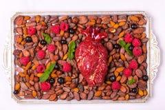 Zdrowy jedzenia i serca model jagod dokrętki streszczenie medyczny Zdjęcie Stock