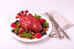 Zdrowy jedzenia i serca model jagod dokrętki streszczenie medyczny Obrazy Stock