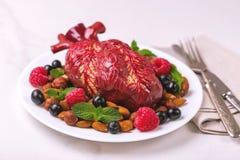 Zdrowy jedzenia i serca model jagod dokrętki streszczenie medyczny Obrazy Royalty Free
