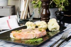 Zdrowy jedzenie, dekatyzująca ryba obrazy stock