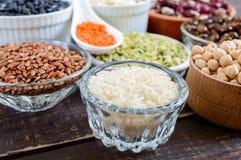 Zdrowy jedzenie, dieting, odżywiania pojęcie, weganin proteina i węglowodanu źródło, zdjęcia stock