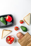 Zdrowy jedzenie w pakunku na bielu stołu tła odgórnego widoku egzaminie próbnym up Fotografia Stock