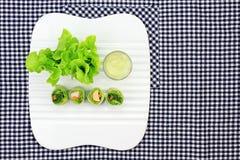 Zdrowy karmowy pojęcie, Świeżych warzyw wiosny rolki Fotografia Stock