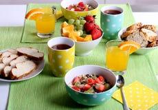 Zdrowy kolorowy śniadanie Zdjęcia Royalty Free