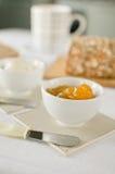 Zdrowy śniadanie: dojna kawa z grzankami Obraz Royalty Free