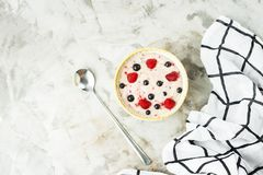 Zdrowy śniadanie w lato sezonie Zdjęcie Royalty Free