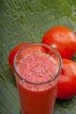 Zdrowy odświeżający pomidorowy sok Zdjęcie Royalty Free