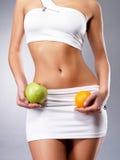 Zdrowy styl życia kobieta z szczupłym ciałem zdjęcie royalty free