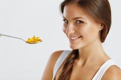 Zdrowy Styl życia odżywczy witaminy zdrowe jeść Kobiet Wi Zdjęcie Stock