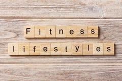Zdrowy stylu życia słowo pisać na drewnianym bloku Zdrowy stylu życia tekst na stole, pojęcie obraz stock