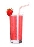 Zdrowy szkło smoothies truskawkowy smak na bielu Obrazy Royalty Free