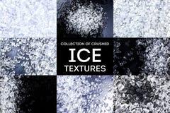 zdruzgotana lodowa tekstura Kostki lodu na czarnym tle Odbitkowa przestrzeń, odgórny widok Kolekcja obrazy royalty free