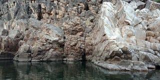 Zdumiewa się górę z rzecznym maa narmada, Jabalpur ind Obraz Royalty Free