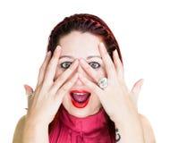 Zdziwiona Kobieta z Rękami na Twarzy Zdjęcia Stock