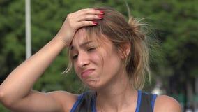 Zdziwiona nastoletnia latynoska dziewczyna i rozczarowanie zbiory wideo